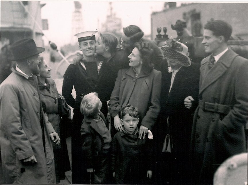 Sid Horton with his family, on his return home.