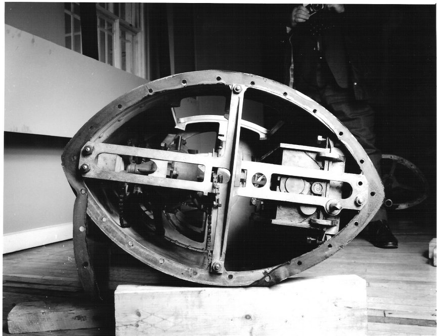 Various cross sections of the torpedo showing the workings.