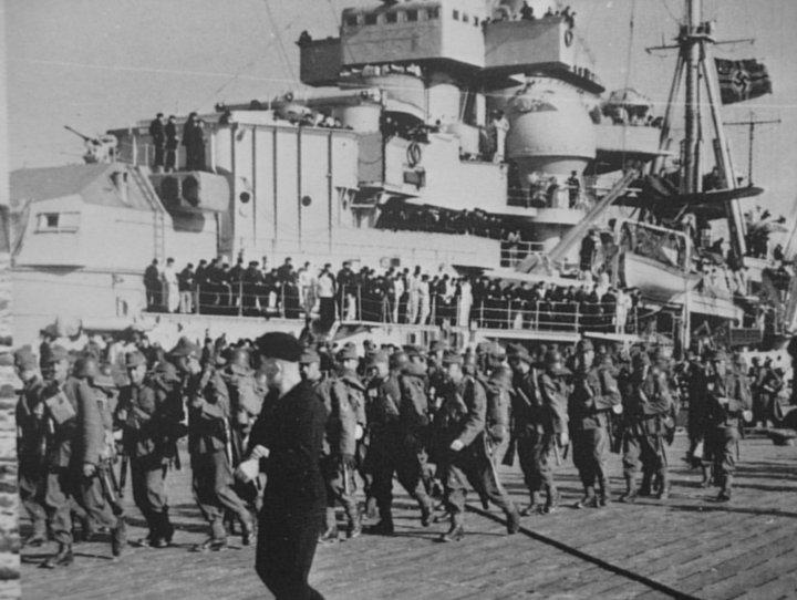 Alpine troops embark on the Hipper en route to Trondheim.