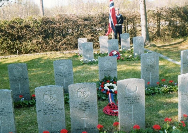 Honour Guard from H.M.S.Nottingham at Ballangen Cemetery. Photo Ron.Cope