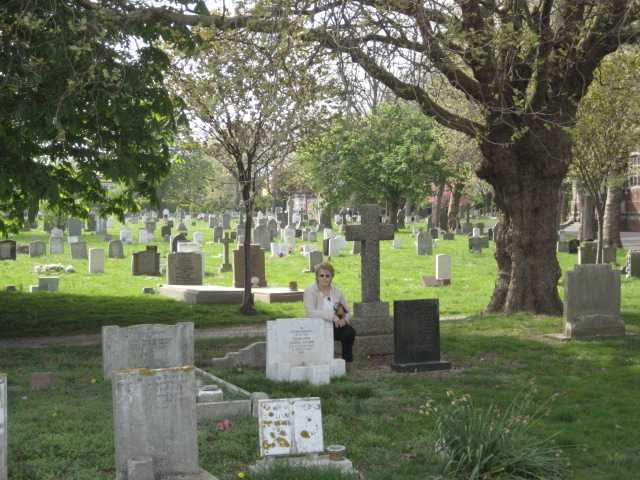 Crabb's grave in Milton Cemetery.