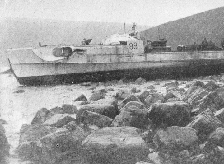 S 89 aground