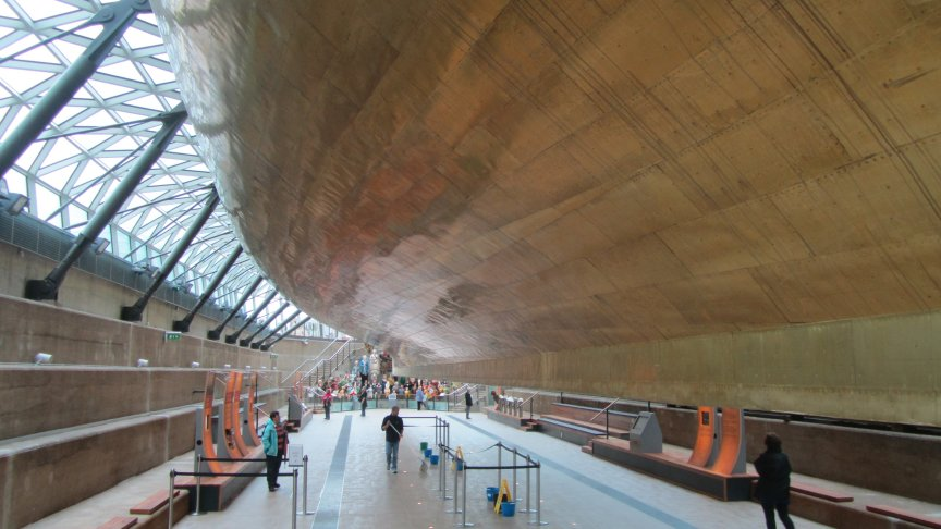 The elegant structure that supports the ship.