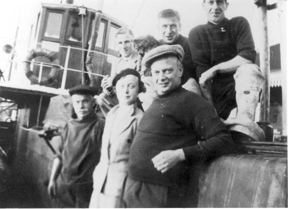 The crew of the Elk before the War.