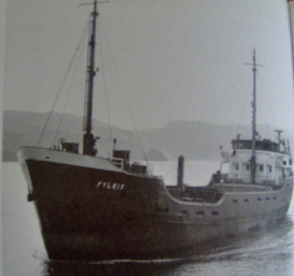 My thanks to Paul Hennessy for this pic of the Fylrix.