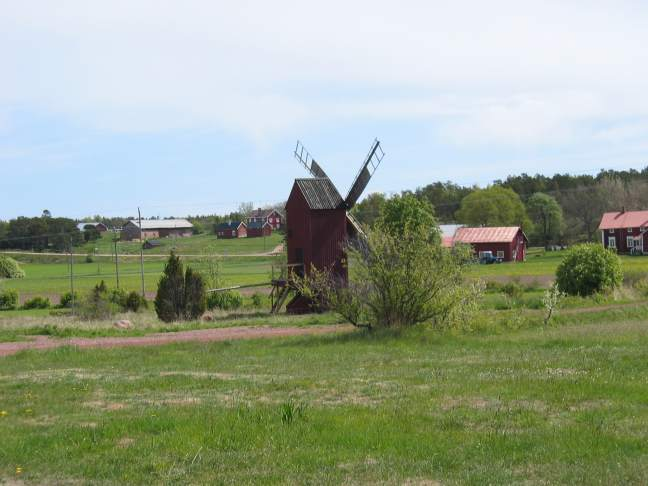 Most of the area is farmland.