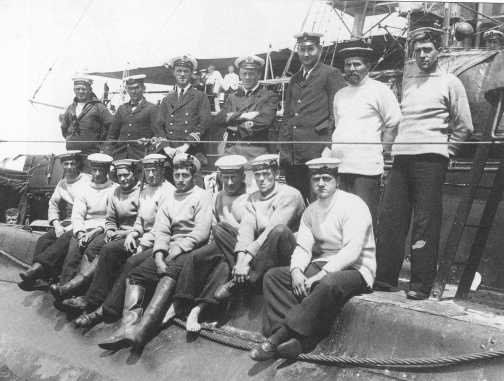 Holbrook and his crew of the B11.