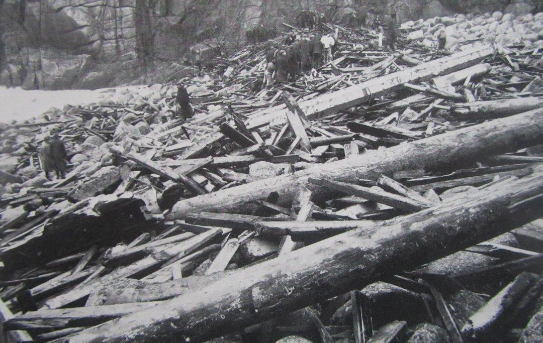 The Kyber, smashed to matchwood.