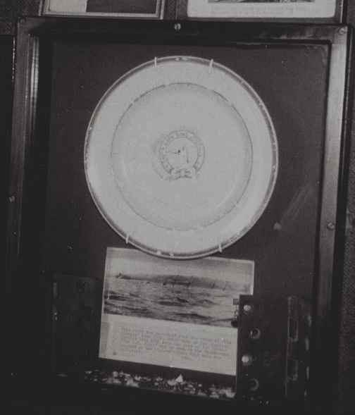 A plate from the Mohegan displayed at The Five Pilchards Inn.