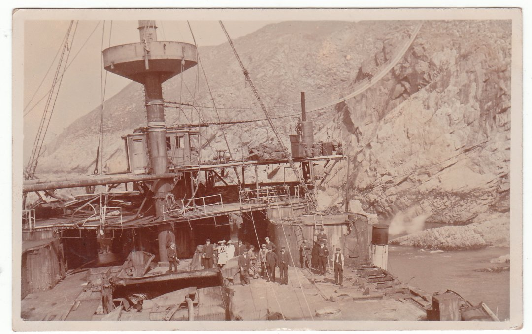 I am very grateful to Dave Snook, for the photo's below, of the salvors on the wreck of Hms Montagu.