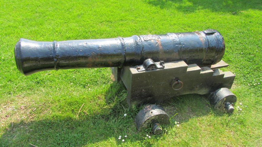 The cannon was raised by a group of local divers in 1968.