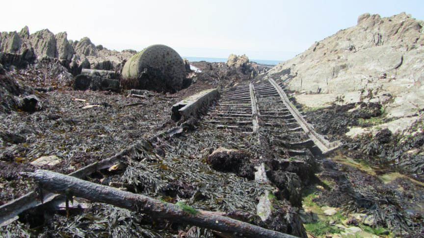 SS Collier wreckage. Boilers,engine block and an iron propeller.
