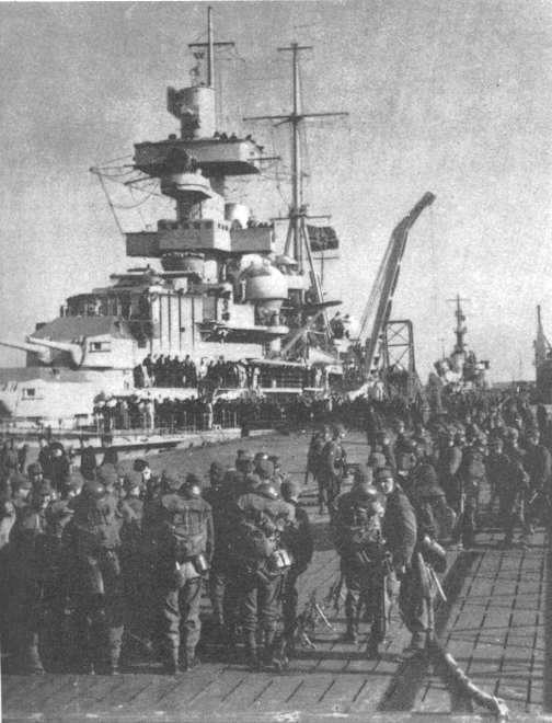 Mountain troops embarking on the Battleship Hipper.