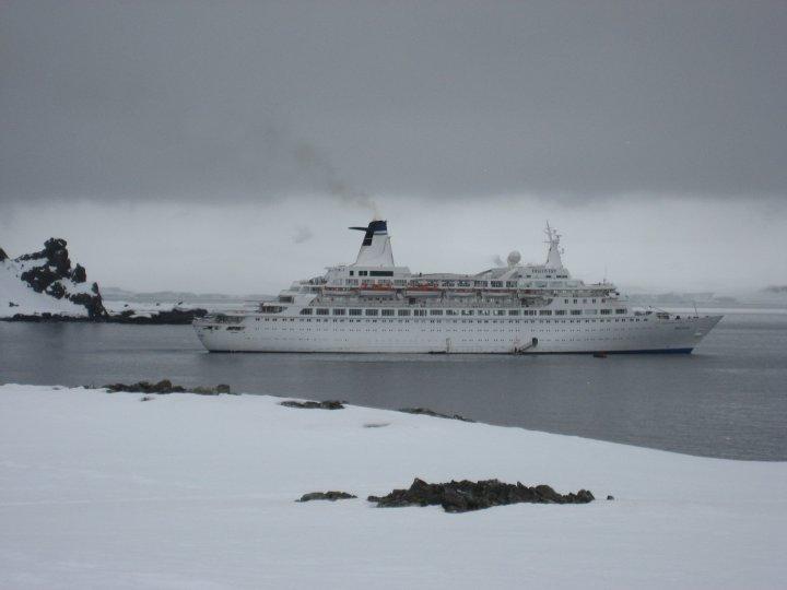 M.V. Discovery at the Antarctic Peninsular