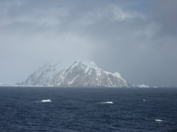 Elephant Isand, you can see the icebergs to the left and right and the ice in the forground.