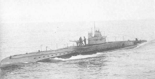 This is UB40 seen in 1916 and is the same class as UB116.