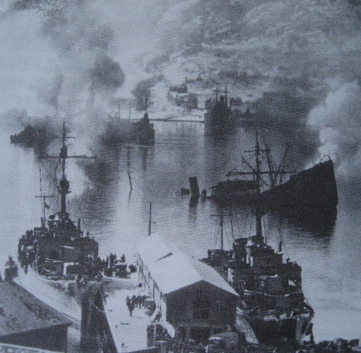 The scene in the harbour after the First Flotilla (including Hunter) struck.